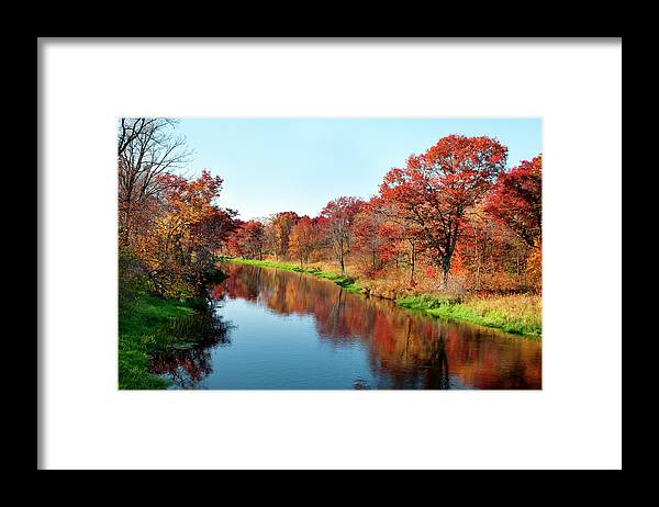 Water's Edge Framed Print featuring the photograph Autumn In Wisconsin by Jenniferphotographyimaging