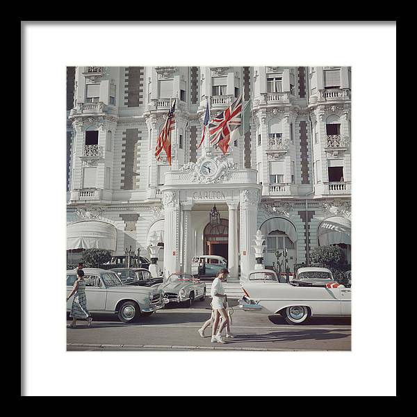 People Framed Print featuring the photograph Carlton Hotel by Slim Aarons