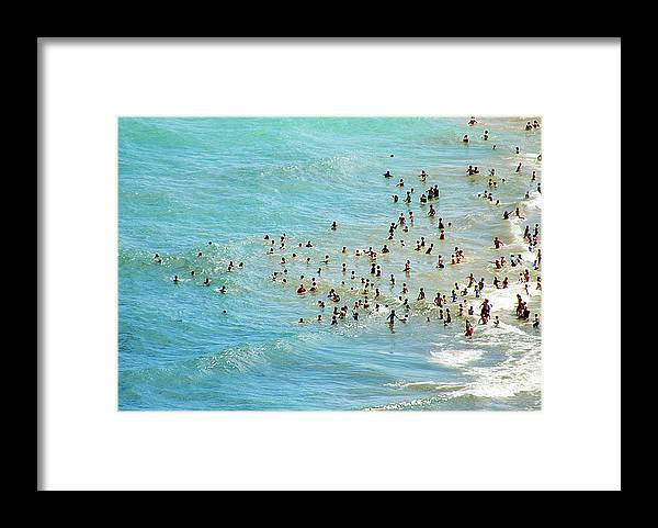 Oak Street Beach Framed Print featuring the photograph Chicagos Oak St. Beach by By Ken Ilio