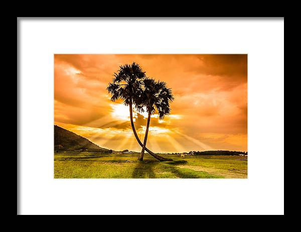 Love Framed Print featuring the photograph Couple by Lam Loi