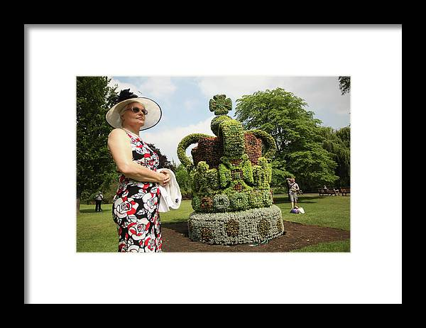 Crown Framed Print featuring the photograph Diamond Jubilee Floral Crown Installed by Oli Scarff