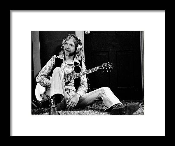 People Framed Print featuring the photograph Duane Allman At Muscle Shoals by Michael Ochs Archives