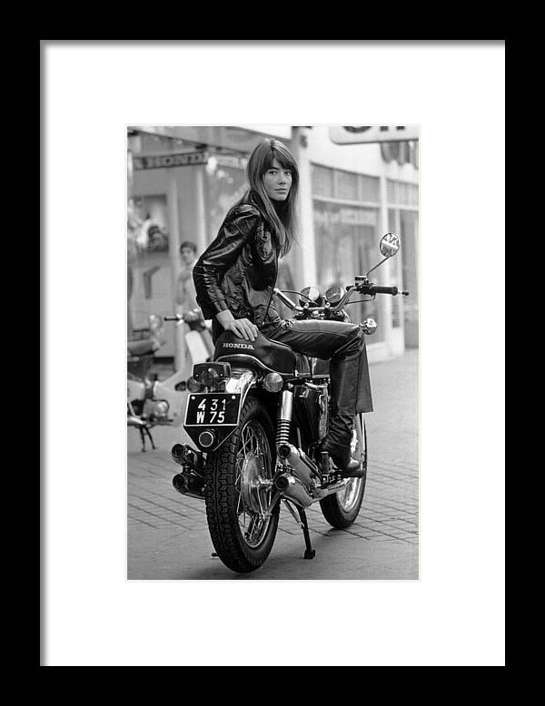 Singer Framed Print featuring the photograph Francoise Hardy by Reg Lancaster