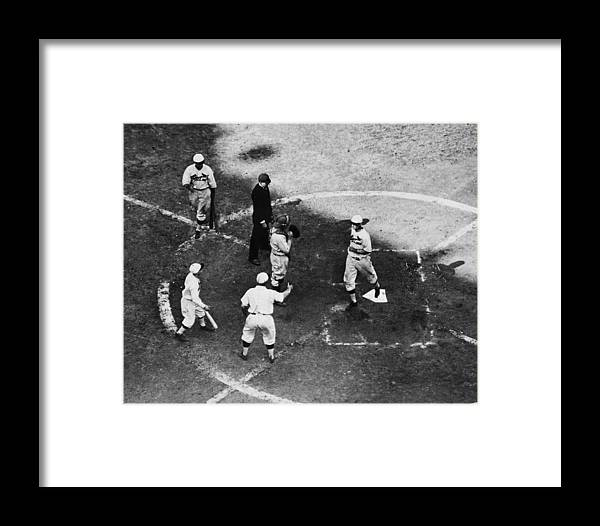 St. Louis Cardinals Framed Print featuring the photograph High & Watkins Come Home by Hulton Archive