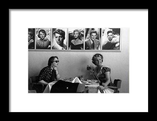 1950-1959 Framed Print featuring the photograph Hollywood Cafe by Kurt Hutton