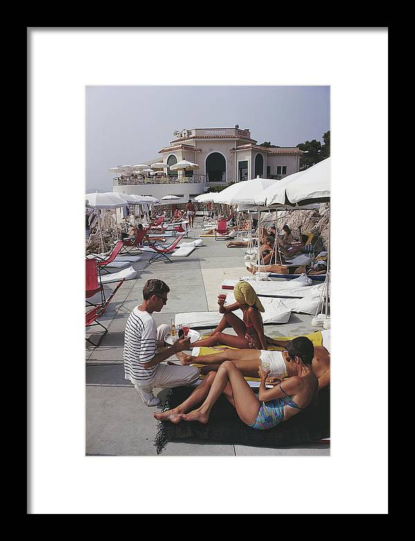 People Framed Print featuring the photograph Hotel Du Cap by Slim Aarons