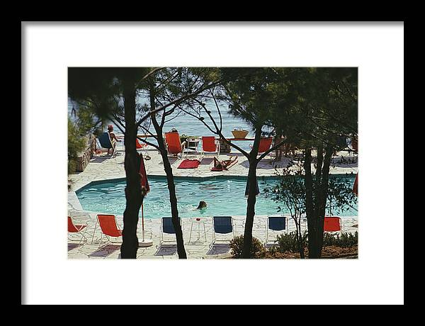 People Framed Print featuring the photograph Hotel Il Pellicano by Slim Aarons