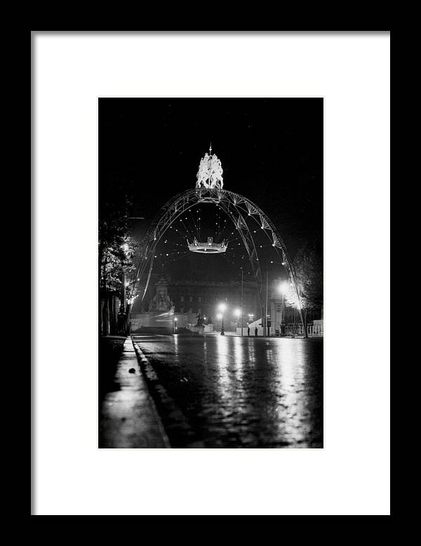 People Framed Print featuring the photograph Illuminations by Hulton Archive