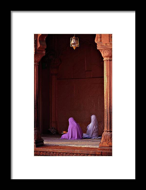 Hanging Framed Print featuring the photograph India - Jama Masjid Mosque by Sergio Pessolano