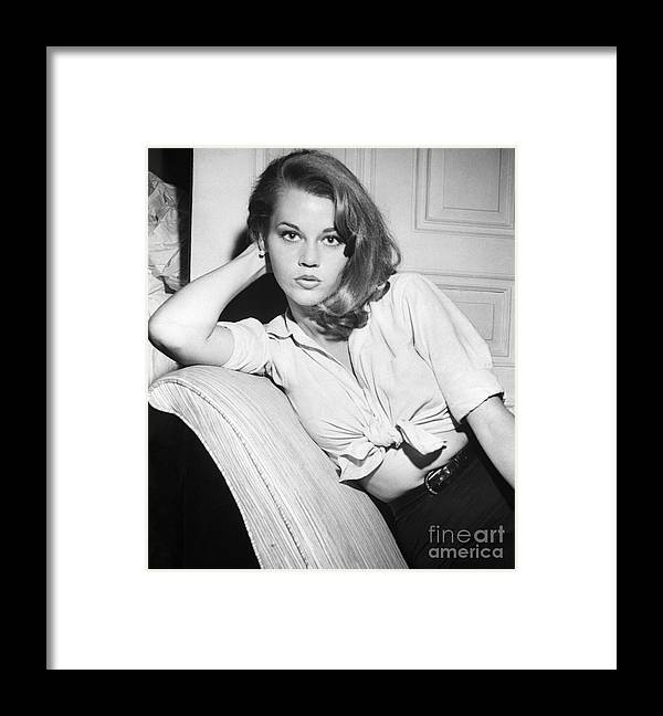 People Framed Print featuring the photograph Jane Fonda by Bettmann