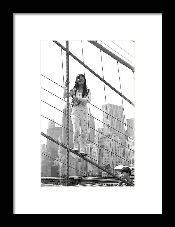 Artist Framed Print featuring the photograph Kusama On The Brooklyn Bridge by Fred W. McDarrah