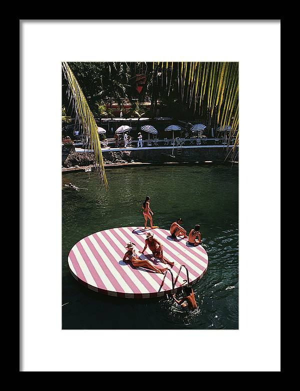 People Framed Print featuring the photograph La Concha Beach Club by Slim Aarons