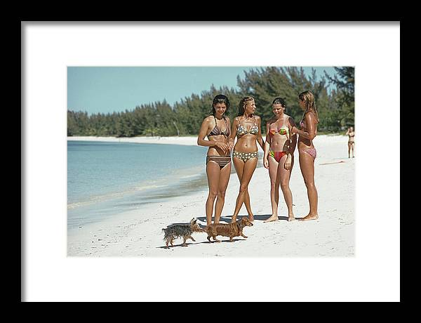 People Framed Print featuring the photograph Ladies Of Lyford Cay by Slim Aarons