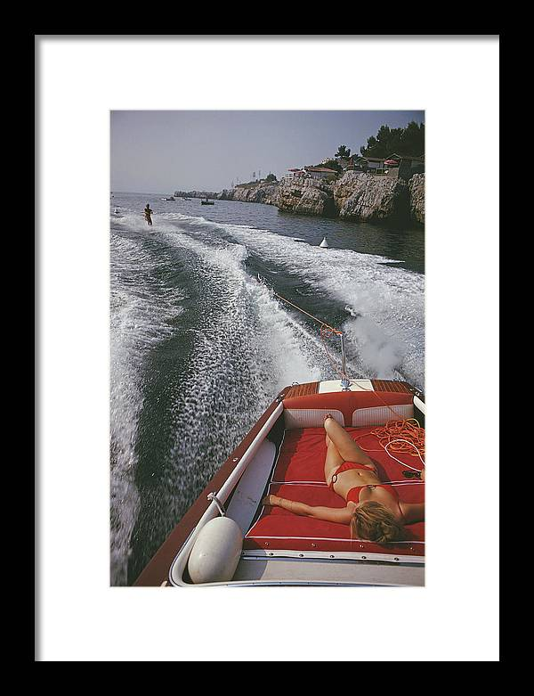 People Framed Print featuring the photograph Leisure In Antibes by Slim Aarons