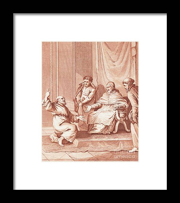 Art Framed Print featuring the photograph Man Meeting With The Pope by Bettmann