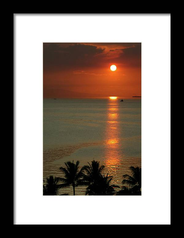 East Framed Print featuring the photograph Manila Bay Sunset by Vanwyckexpress