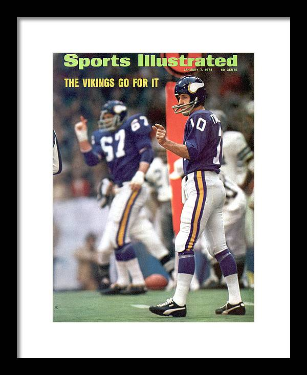 Magazine Cover Framed Print featuring the photograph Minnesota Vikings Qb Fran Tarkenton, 1973 Nfc Championship Sports Illustrated Cover by Sports Illustrated