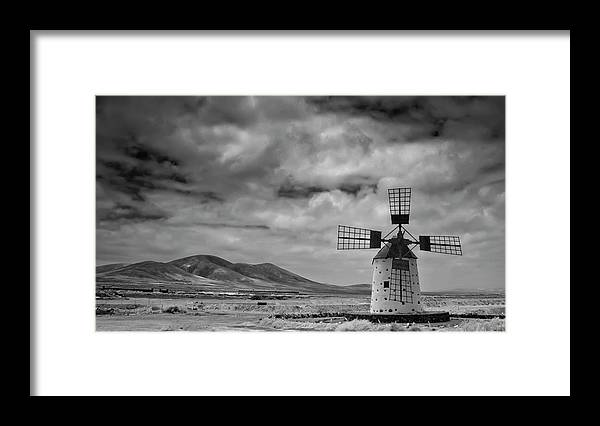 Tranquility Framed Print featuring the photograph Molino De Cotillo by Martin Zalba