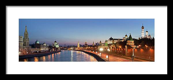 Panoramic Framed Print featuring the photograph Moscow River At Dusk by Siegfried Layda