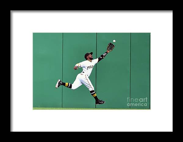 People Framed Print featuring the photograph New York Yankees V Pittsburgh Pirates by Joe Sargent