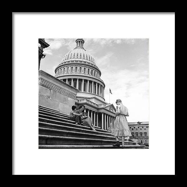 Sibling Framed Print featuring the photograph Outside The Capitol by Rae Russel