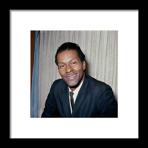 People Framed Print featuring the photograph Photo Of Chuck Berry by Ca
