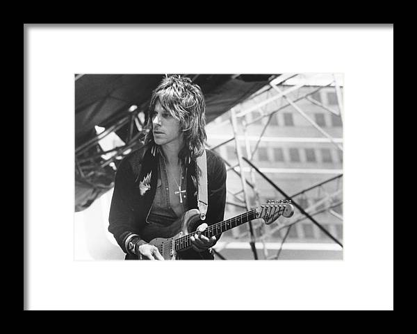 Horizontal Framed Print featuring the photograph Photo Of Jeff Beck by Richard Mccaffrey