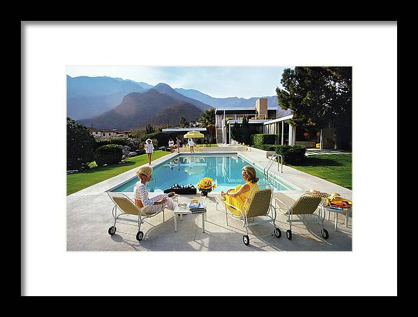 People Framed Print featuring the photograph Poolside Glamour by Slim Aarons