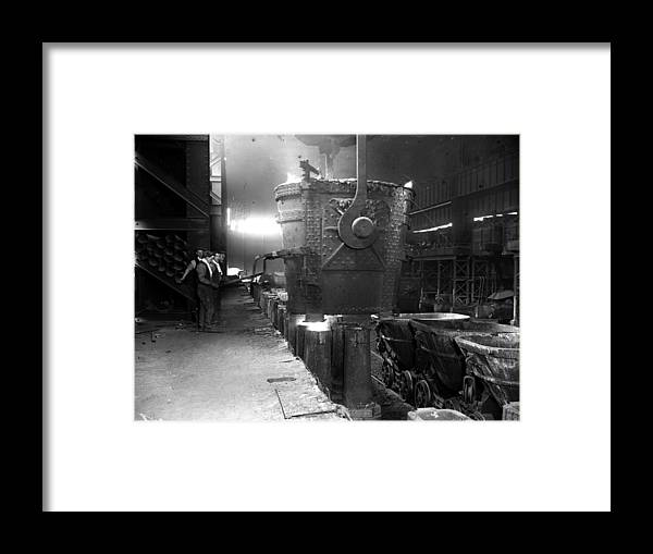 Molding A Shape Framed Print featuring the photograph Pouring Molten Steel by Fox Photos