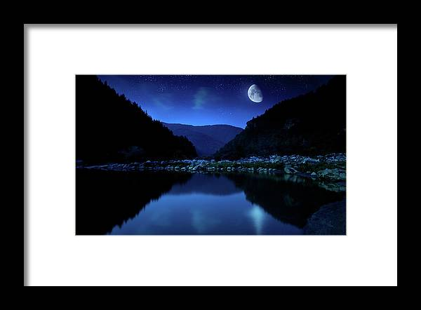 Water's Edge Framed Print featuring the photograph Rising Moon Over Lake by Da-kuk