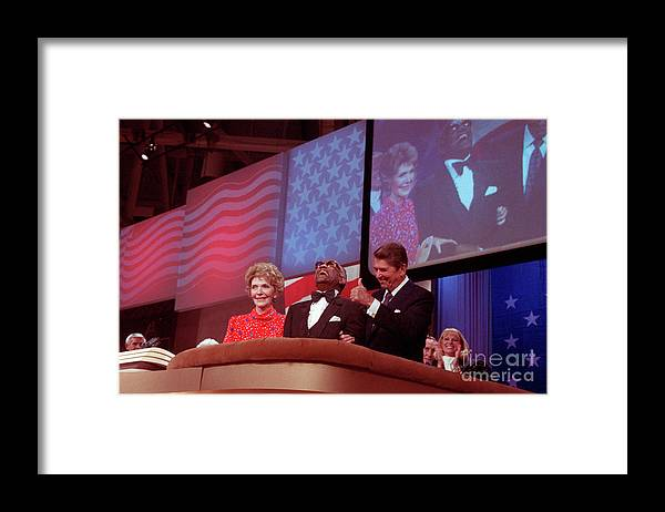 Thank You Framed Print featuring the photograph Ronald And Nancy Reagan With Ray Charles by Bettmann