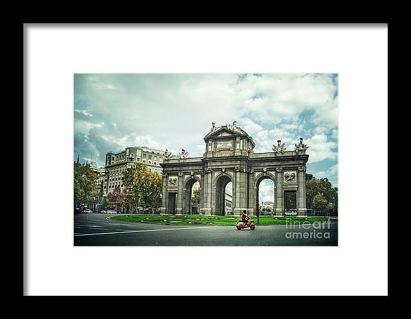 Kremsdorf Framed Print featuring the photograph Rush Hour by Evelina Kremsdorf