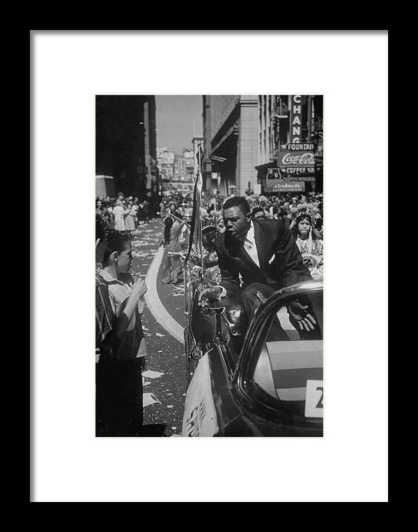 Timeincown Framed Print featuring the photograph San Francisco Giants by Leonard Mccombe