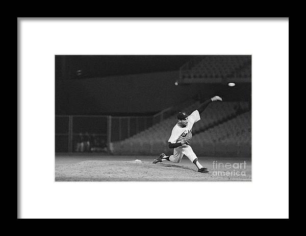 Sandy Koufax Framed Print featuring the photograph Sandy Koufax Throwing A Pitch by Bettmann