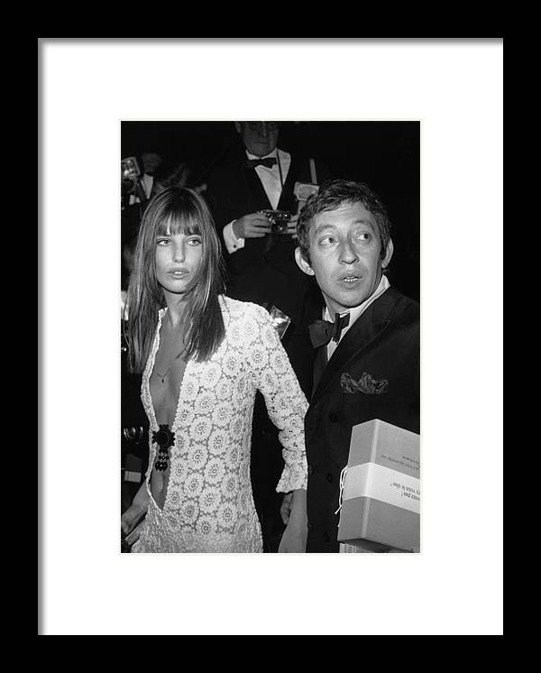 Artist Framed Print featuring the photograph Serge Gainsbourg And Jane Birkin by Keystone-france