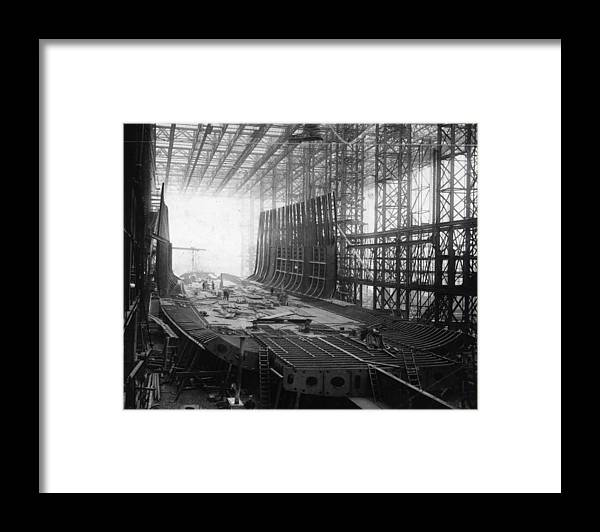 1910-1919 Framed Print featuring the photograph Shipbuilding by General Photographic Agency