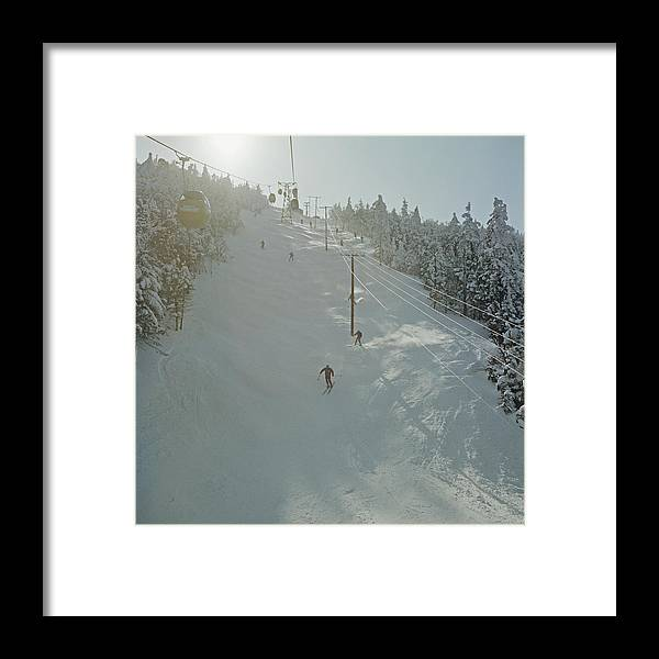 Skiing Framed Print featuring the photograph Skiing In Sugarbush by Slim Aarons