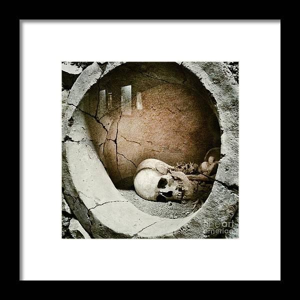 Horror Framed Print featuring the photograph Skull by Temizyurek