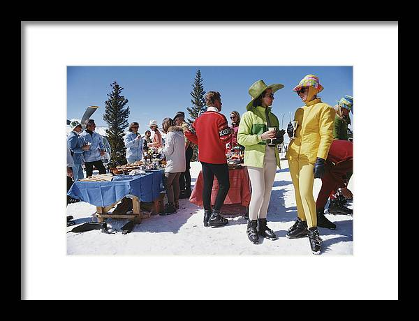 People Framed Print featuring the photograph Snowmass Gathering by Slim Aarons