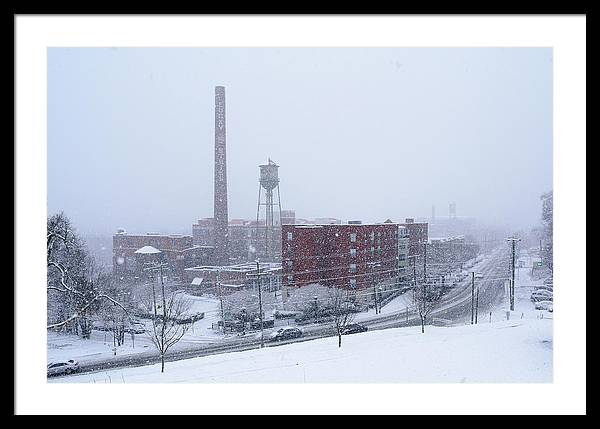 Snow In Richmond Framed Print featuring the photograph Snowy Day On Libby Hill In Richmond Virginia by Doug Ash