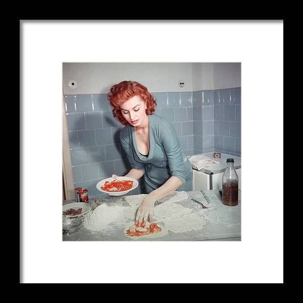 People Framed Print featuring the photograph Sophia Loren by Archive Photos