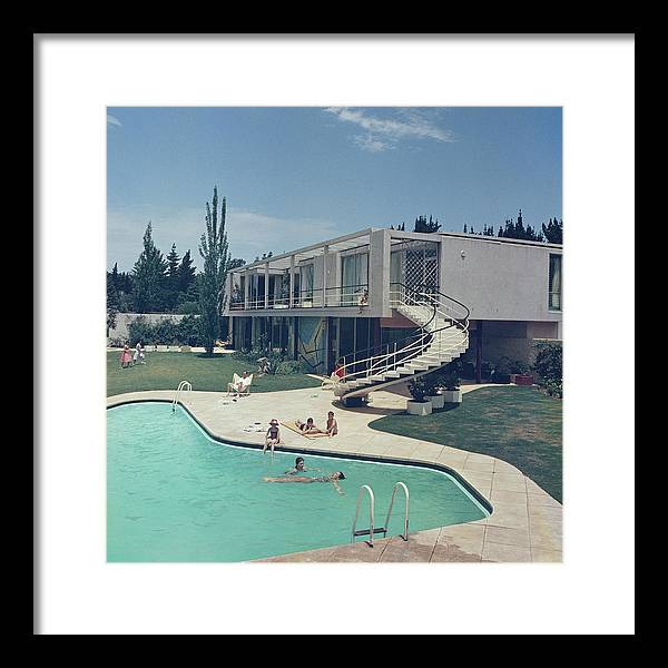 People Framed Print featuring the photograph South Africa Swimming Pool by Slim Aarons