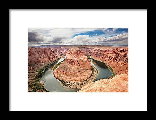 Scenics Framed Print featuring the photograph Splendid Arizona by Xavierarnau