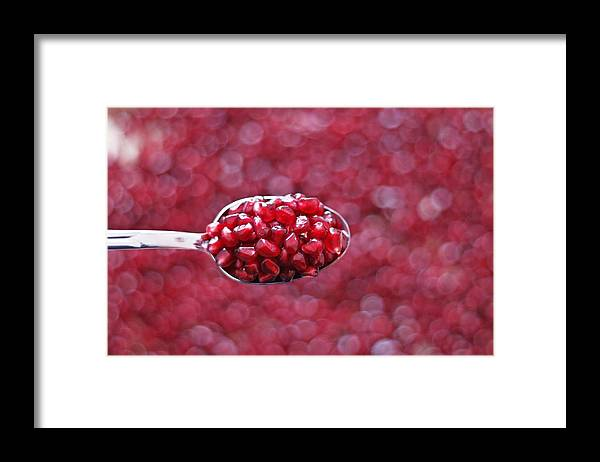 Heap Framed Print featuring the photograph Spoon Of Pomegranate by Gulale