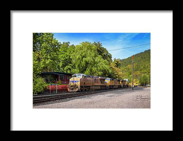 Freight Trains Framed Print featuring the photograph Up5343 by Jim Thompson