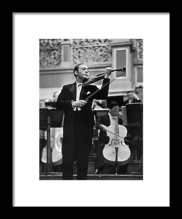 Violin Virtuoso Jascha Heifetz Standing Framed Print