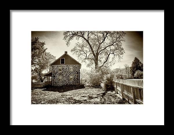 Weikert House Framed Print featuring the photograph Weikert House At Gettysburg by Paul W Faust - Impressions of Light