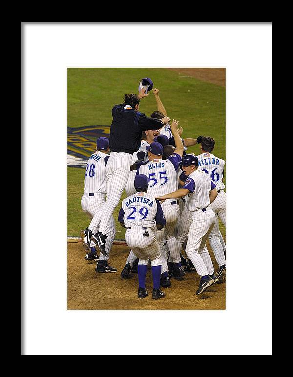 People Framed Print featuring the photograph World Series Gm7 X by Jeff Gross