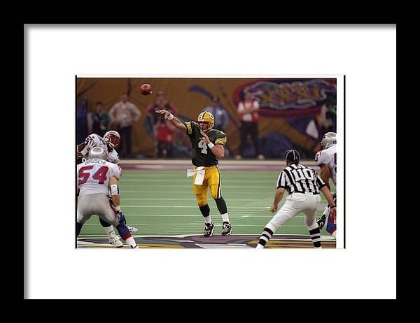 Super Bowl Xxxi Framed Print featuring the photograph Brett Favre by Brian Bahr
