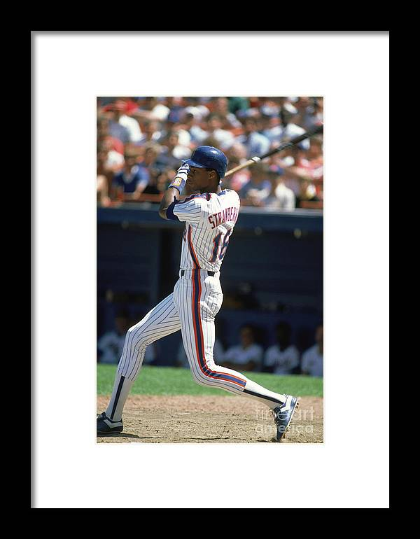 1980-1989 Framed Print featuring the photograph Darryl Strawberry by Rich Pilling